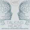 TALKING HEADS – Manager vor dem Mikrofon