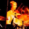 Single Strokes: Bassdrum & Snare im Wechsel