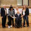 Wolfgang Schäuble erhält die Empfehlungen des Bürgerrats Demokratie