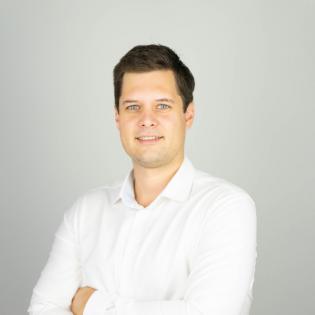 Agrora 8 - Steffen Ober von der Raiwa (Raiffeisen Waren GmbH) - Tanker, Speedboat oder beides? Digitalisierung einer (großen) Agrar-Genossenschaft