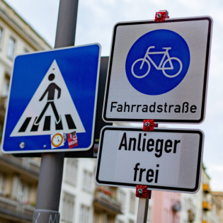 Bremsen Gesetze die Mobilitätswende?