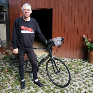 Der Fahrradkantor spielt heute in der Kirche in Mechau in der Altmark