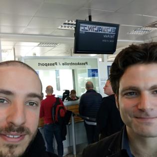 We love Israel (1) - Am Flughafen Berlin Schönefeld – Warum reisen wir nach Israel?