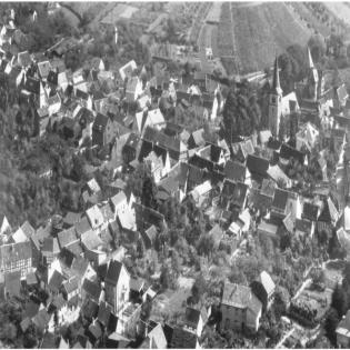 Buchvorstellung 25. Heimatheft: Ein Dorf verändert sein Gesicht: Eine Bilddokumentation über die gebaute Geschichte Rheinbreitbachs